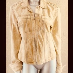 🌻Gorgeous 100% Leather Suede Jacket🍃